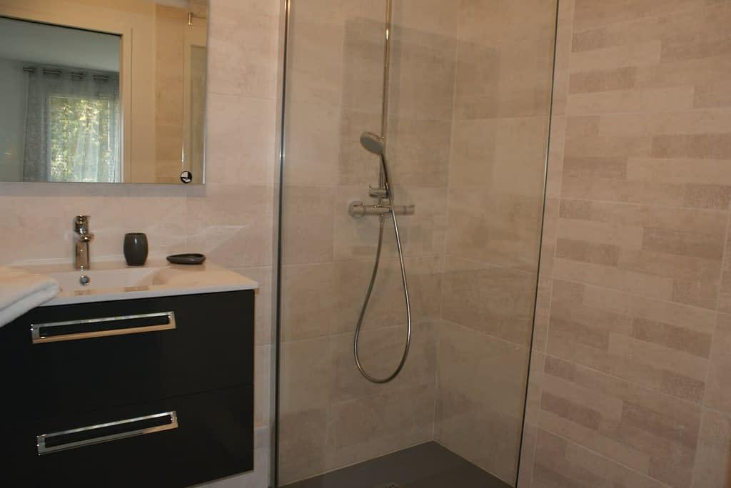 Chambre d'hôtes Ti Bihan - Salle d'eau avec douche à l'italienne
